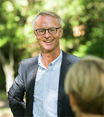 Associate Dean for Private and Public Sector Services, Erik Bisgaard Madsen