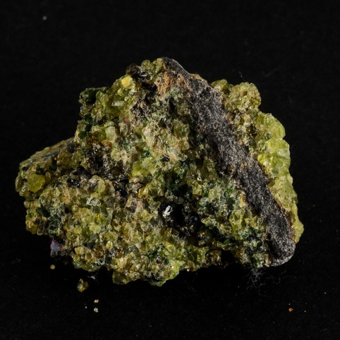 Photo af the mineral olivine. Getty Images