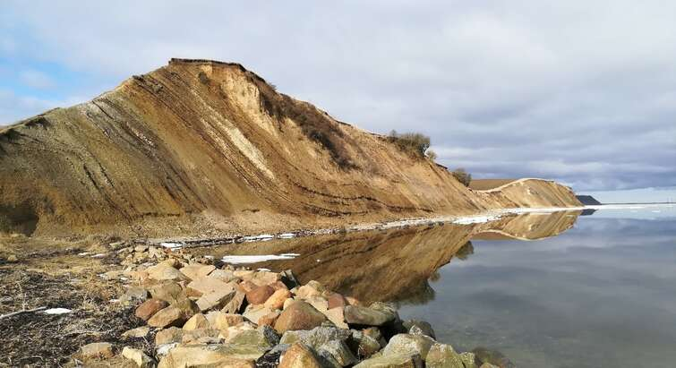 Photo of the Danish Island Mors and it's sediment layers. (Nicolas Thibault)