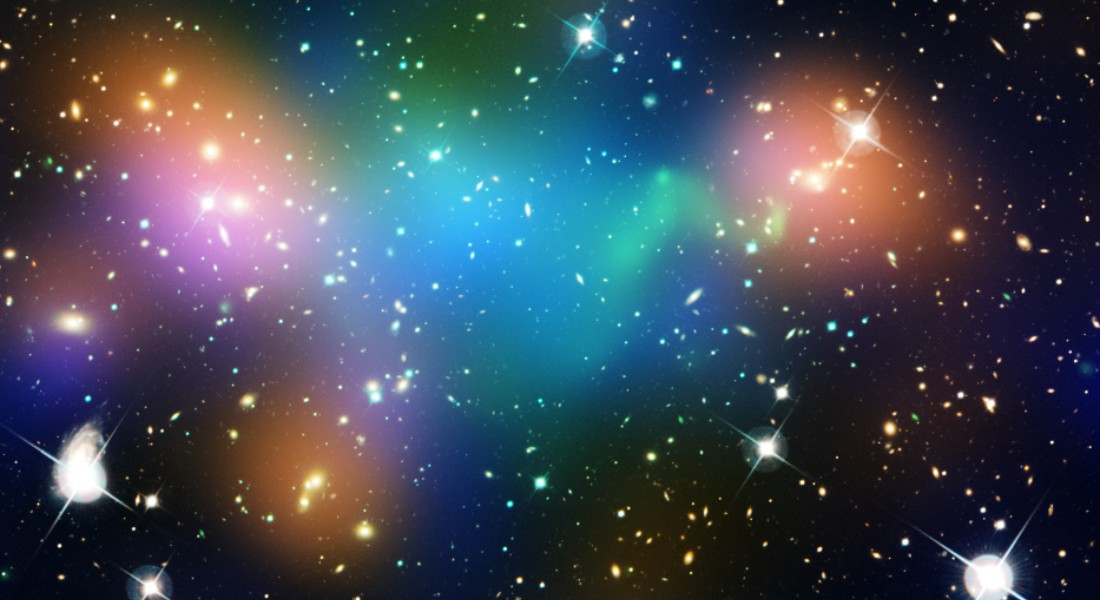 Photo of dark matter, which are invisible to the eye, but here illustrated with a blue color. Photo: Nasa/Esa