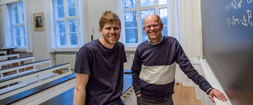 Ph.d. Mathias Heltberg og professor Mogens Høgh Jensen fra Niels Bohr Institutet